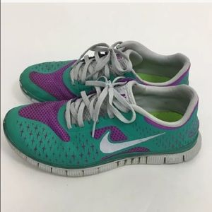 0db48f8feccf7 Women s Nike Free 4.0 V2 Running Shoe on Poshmark